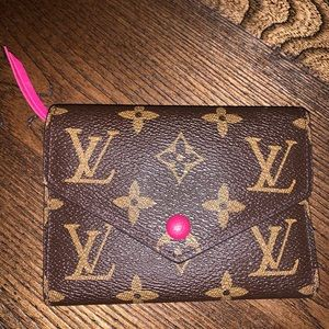 Louis Vuitton look a like wallet